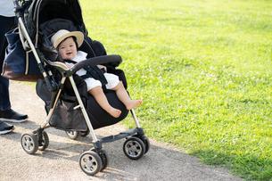 赤ちゃんの写真素材 [FYI04687484]