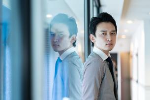 日本人ビジネスマンの写真素材 [FYI04687672]
