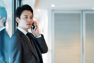 日本人ビジネスマンの写真素材 [FYI04687692]