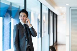 日本人ビジネスマンの写真素材 [FYI04687713]