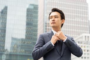 日本人ビジネスマンの写真素材 [FYI04687887]