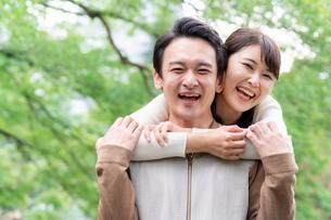 日本人夫婦の写真素材 [FYI04687901]