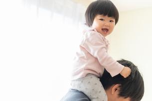 赤ちゃんの写真素材 [FYI04687963]