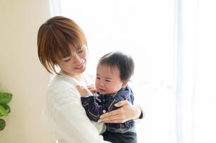 母親と赤ちゃんの写真素材 [FYI04688024]