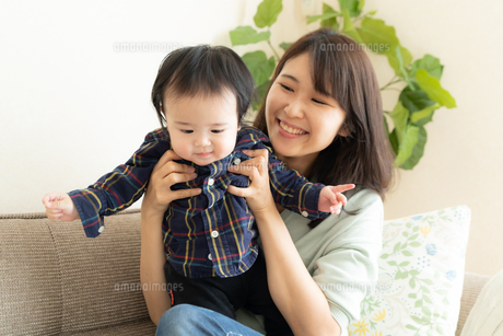 母親と赤ちゃんの写真素材 [FYI04688035]