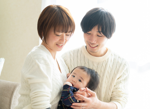 日本人家族の写真素材 [FYI04688063]