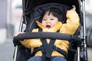 日本人親子の写真素材 [FYI04688316]