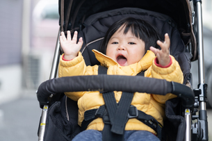 日本人親子の写真素材 [FYI04688318]