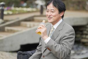 日本人シニアビジネスマンの写真素材 [FYI04688353]