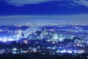 白銀平から太平洋セメント埼玉工場の夜景の写真素材 [FYI04688636]