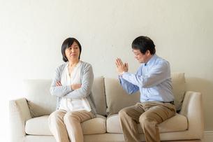 日本人シニア夫婦の写真素材 [FYI04688918]