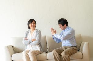 日本人シニア夫婦の写真素材 [FYI04688929]