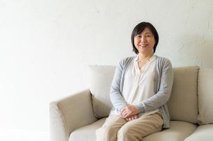 日本人シニア女性の写真素材 [FYI04688955]