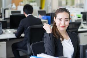日本人ビジネスウーマンの写真素材 [FYI04689147]