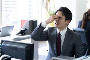 日本人ビジネスマンの写真素材 [FYI04689292]