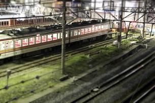 電車のジオラマ風写真の写真素材 [FYI04689468]