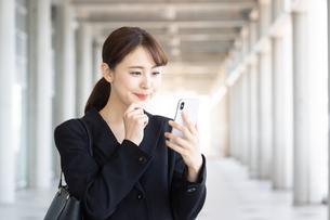 日本人ビジネスウーマンの写真素材 [FYI04689910]