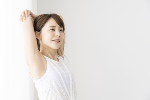 日本人女性の写真素材 [FYI04690486]