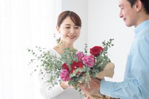 日本人夫婦の写真素材 [FYI04690919]