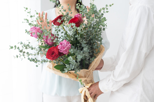 日本人シニア夫婦の写真素材 [FYI04691059]