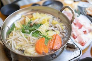 鍋料理の写真素材 [FYI04691365]