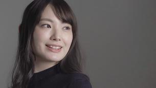 日本人女性の写真素材 [FYI04691653]