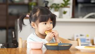 日本人女の子の写真素材 [FYI04691827]