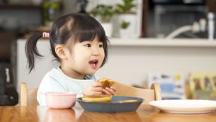日本人女の子の写真素材 [FYI04691831]
