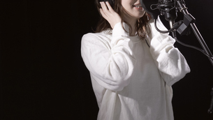 女性ボーカルの写真素材 [FYI04692206]