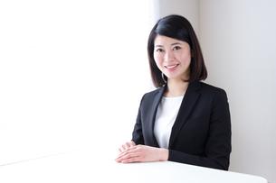 日本人ビジネスウーマンの写真素材 [FYI04694039]