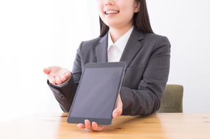 日本人ビジネスウーマンの写真素材 [FYI04694073]