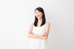 日本人女性の写真素材 [FYI04694202]