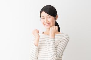 日本人女性の写真素材 [FYI04694434]