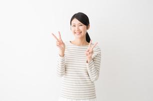 日本人女性の写真素材 [FYI04694466]