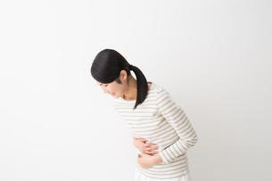 日本人女性の写真素材 [FYI04694573]