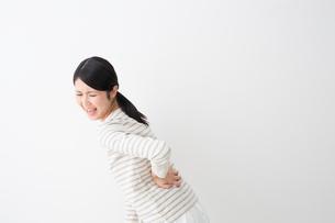 日本人女性の写真素材 [FYI04694595]
