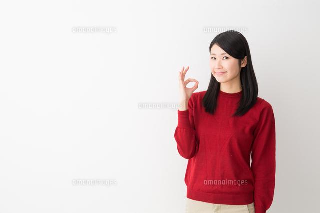 日本人女性の写真素材 [FYI04694725]