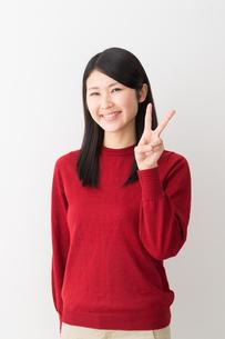 日本人女性の写真素材 [FYI04694726]