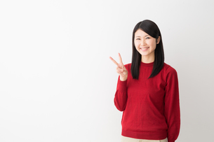 日本人女性の写真素材 [FYI04694735]