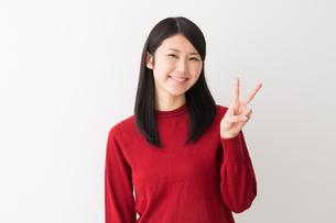 日本人女性の写真素材 [FYI04694741]