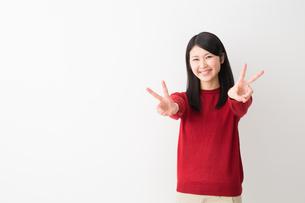 日本人女性の写真素材 [FYI04694745]