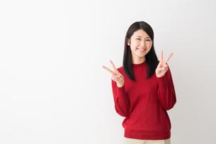 日本人女性の写真素材 [FYI04694746]