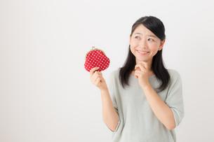 日本人女性の写真素材 [FYI04696321]