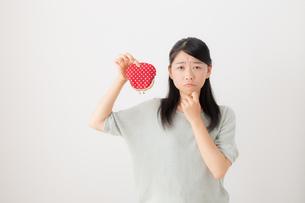 日本人女性の写真素材 [FYI04696335]