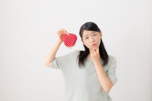 日本人女性の写真素材 [FYI04696342]
