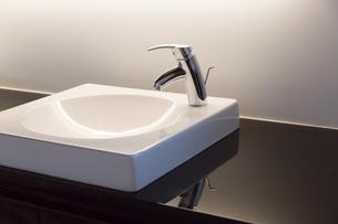 洗面所の写真素材 [FYI04696680]