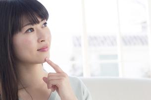 日本人女性の写真素材 [FYI04697151]
