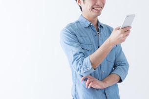 日本人男性の写真素材 [FYI04697735]