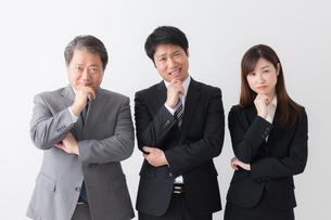 日本人ビジネスマンとビジネスウーマンの写真素材 [FYI04698559]