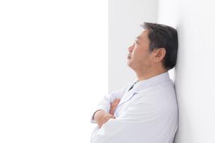 日本人男性医師の写真素材 [FYI04698658]